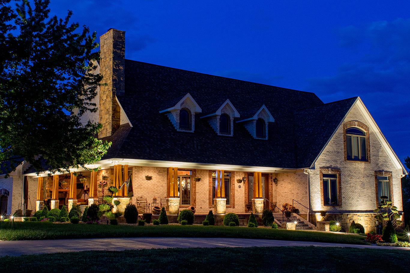 Light Up Nashville Wins Outdoor LIghting awards for superior service